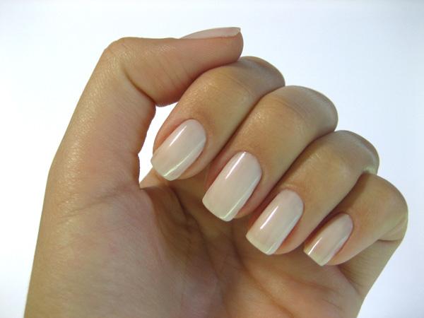 Деловой дизайн ногтей